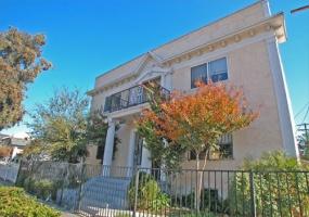 3110 Walton Ave., Los Angeles, California, 3 Bedrooms Bedrooms, ,4 BathroomsBathrooms,Apartment,For Rent,Walton Ave.,1017