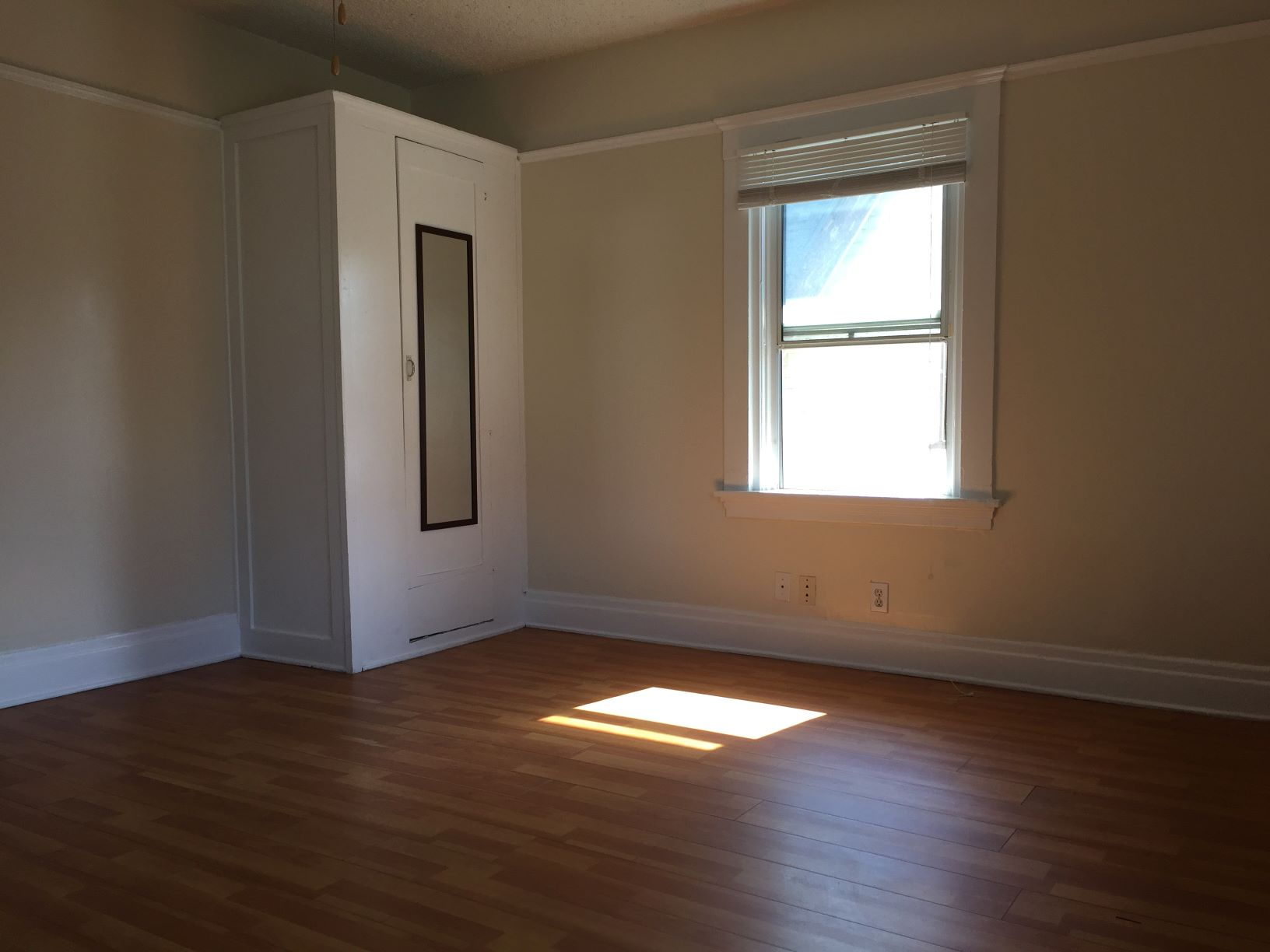 1176 W. 37th St., Los Angeles, California, ,1 BathroomBathrooms,Apartment,For Rent,W. 37th St.,1034